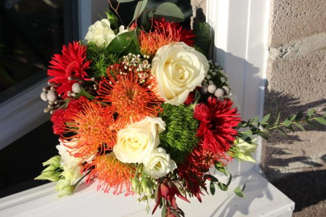 bouquet de fleurs coloré fleurs exotiques nutan orange rouge vert blanc fleuriste saulny effleurs
