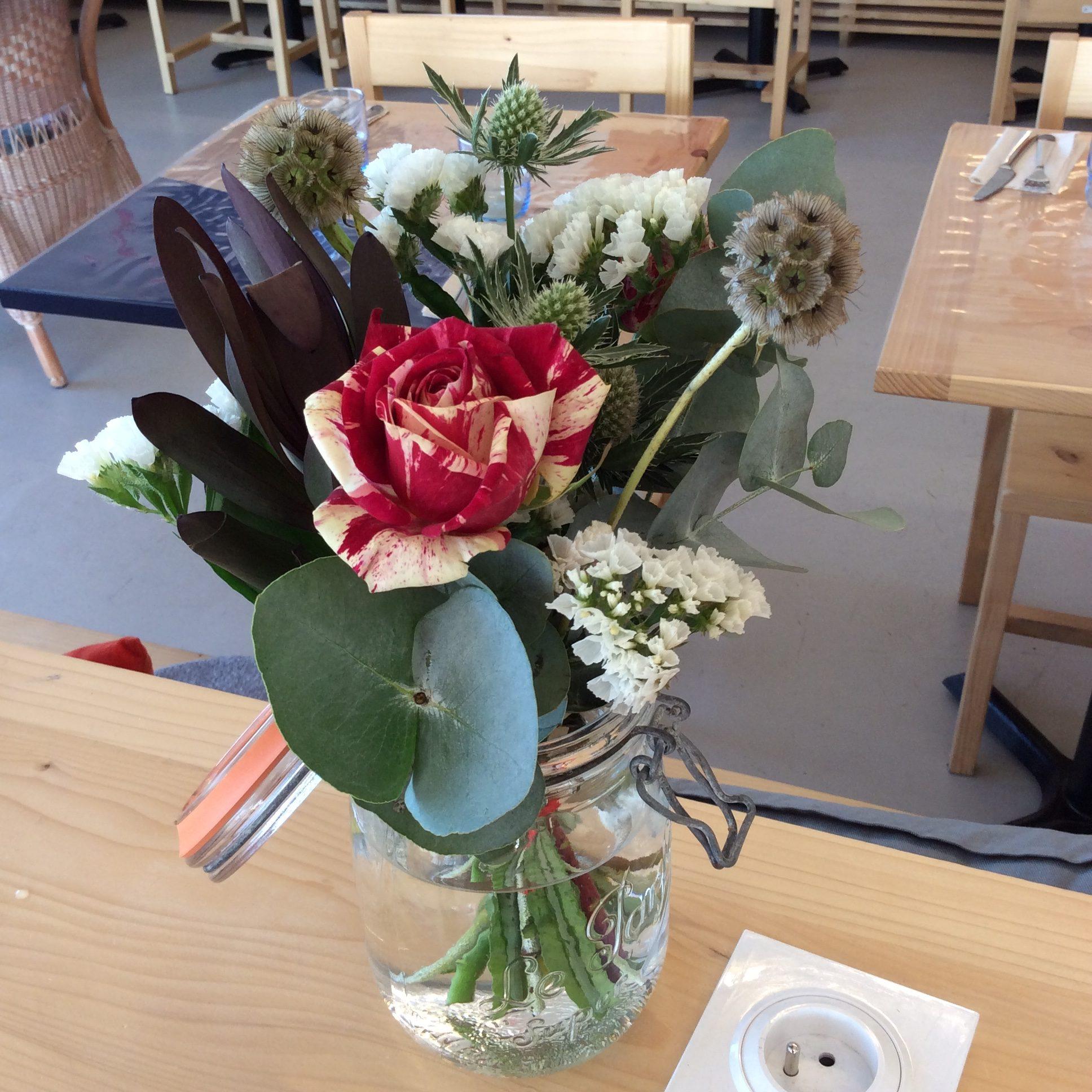 bouquet de fleurs fraiches et sèches restaurant Le Café Fauve norroy le veneur fleuriste woippy effleurs