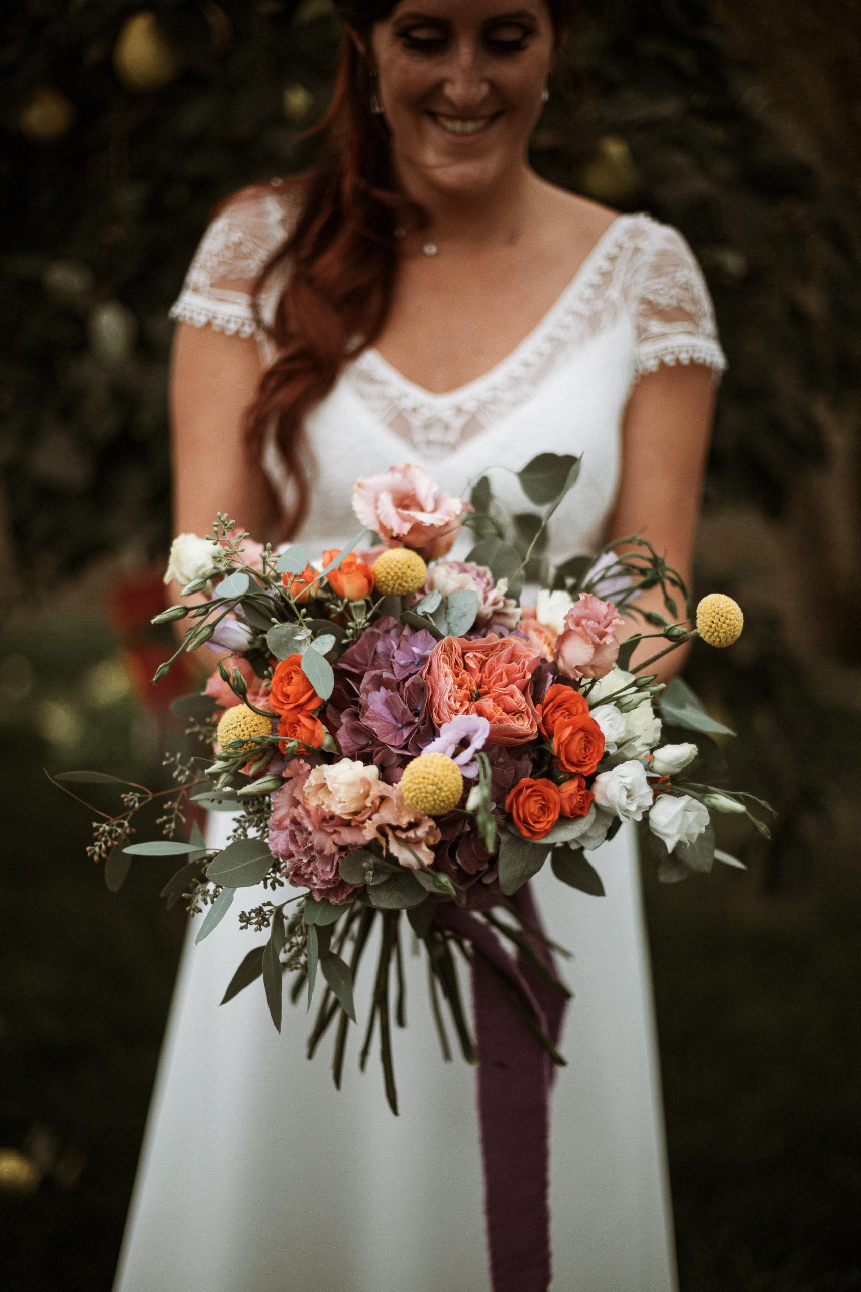 bouquet de mariée rebecca champetre coloré orange metz effleurs