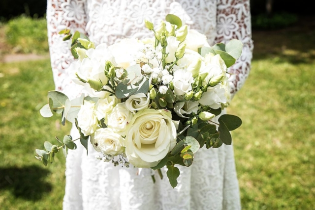 bouquet de mariee blanc effleurs