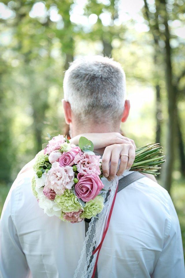 bouquet de mariee marion rond pivoine effleurs