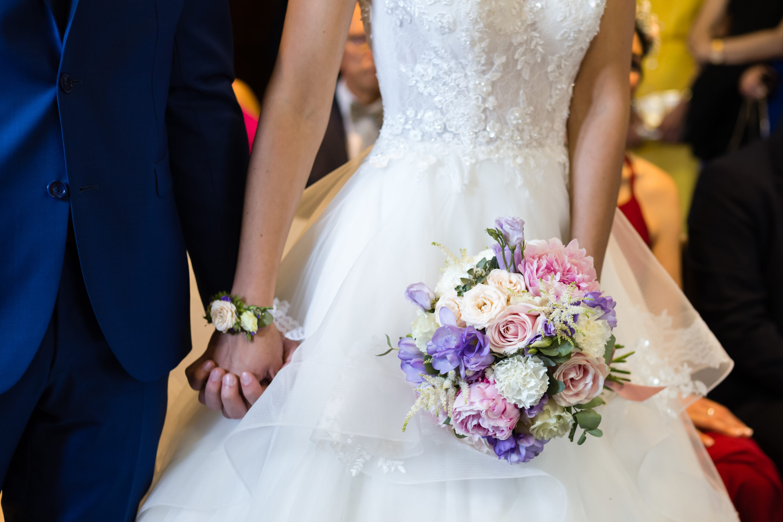 bouquet de mariee solene champetre rond domaine des templiers effleurs
