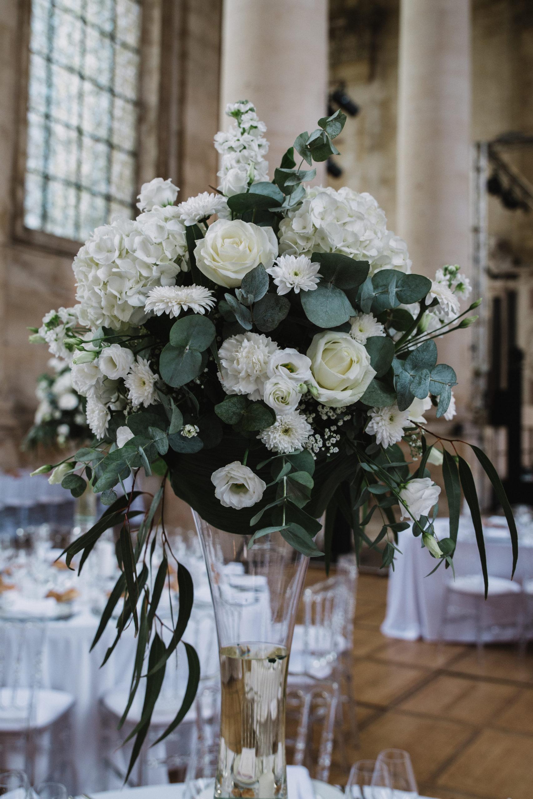 centre de table blanc hauteur abbaye des premontres fleuriste effleurs