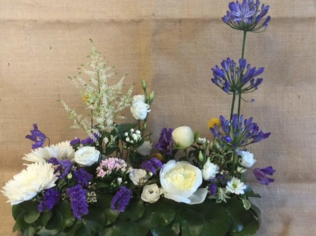 composition florale centre de table professionnels mairie norroy le veneur jardin pivoine blanche fleuriste metz effleurs