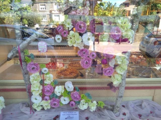 composition florale vitrine fleuriste woippy effleurs