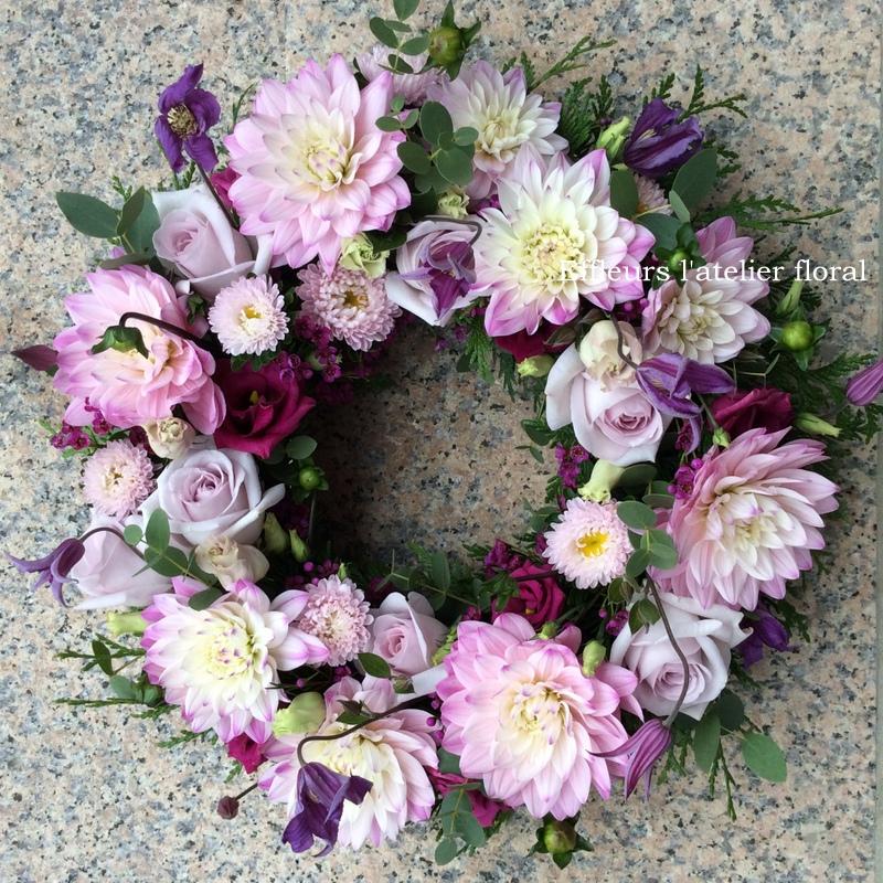 fleurs deuil couronne rose et violet fleuriste thionville effleurs