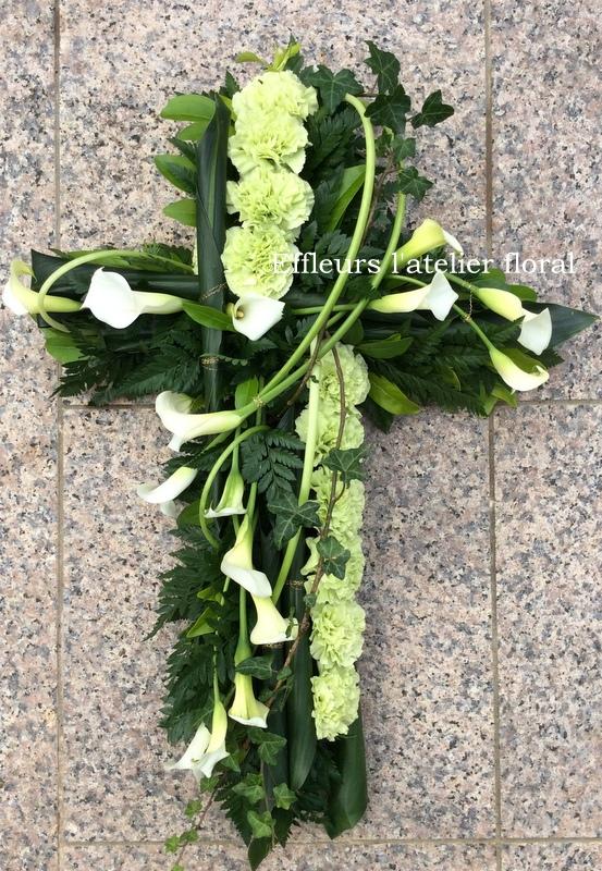 fleurs deuil croix vert et blanc fleuriste metz effleurs