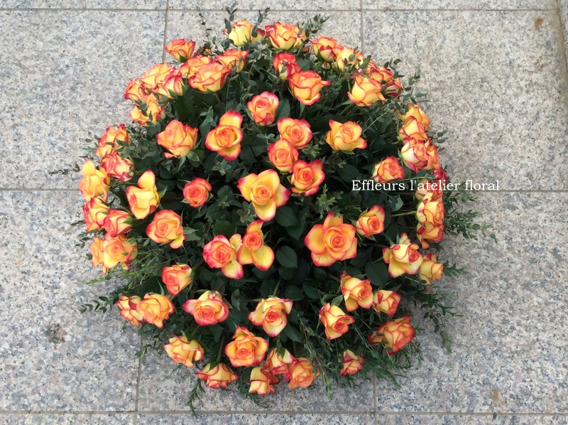 gerbe de fleurs coussin rose orangé fleuriste metz effleurs